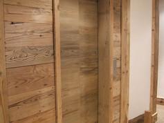 ascenseur_faux_bois_champagny_vue_de_côt