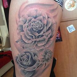 roses tattoo tetovaza