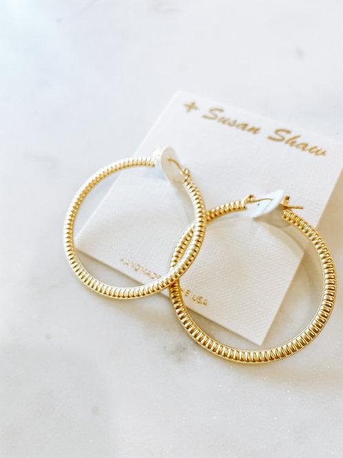 Gold Ribbed Hoop Earrings
