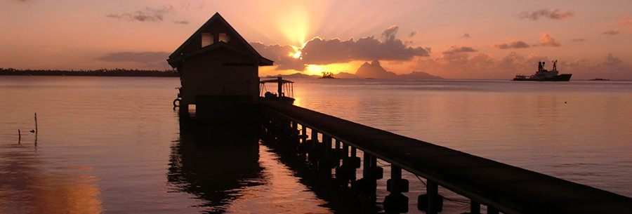 Zonsondergang in Frans Polynesië