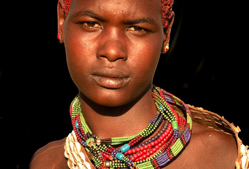 Hamer meisje uit Ethiopië