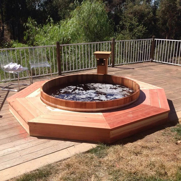 custom cedar hot tub.jpg