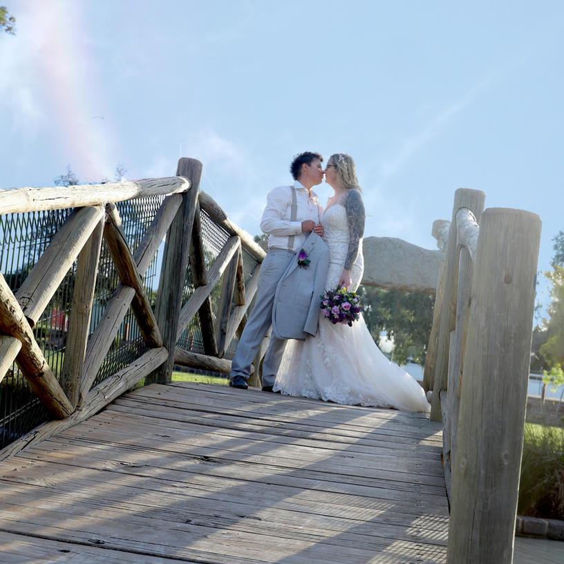 """HAYLEE AND LISA  // SWAN HILL """"COVID"""" WEDDING PHOTOGRAPHY"""