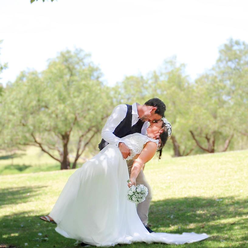 EBONY AND LEE  // SUNBURY PARKLAND WEDDING PHOTOGRAPHY