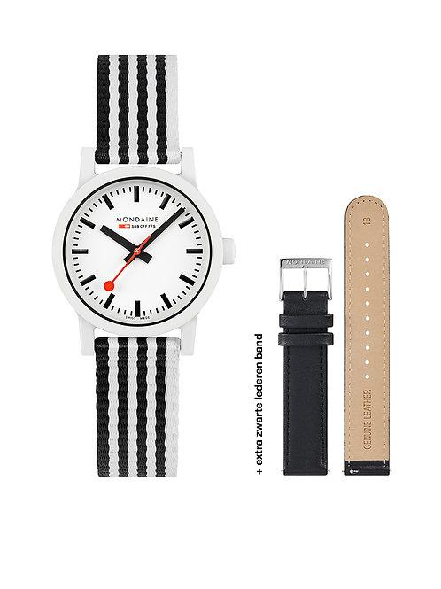 Mondaine horloge MS1.32110.LA