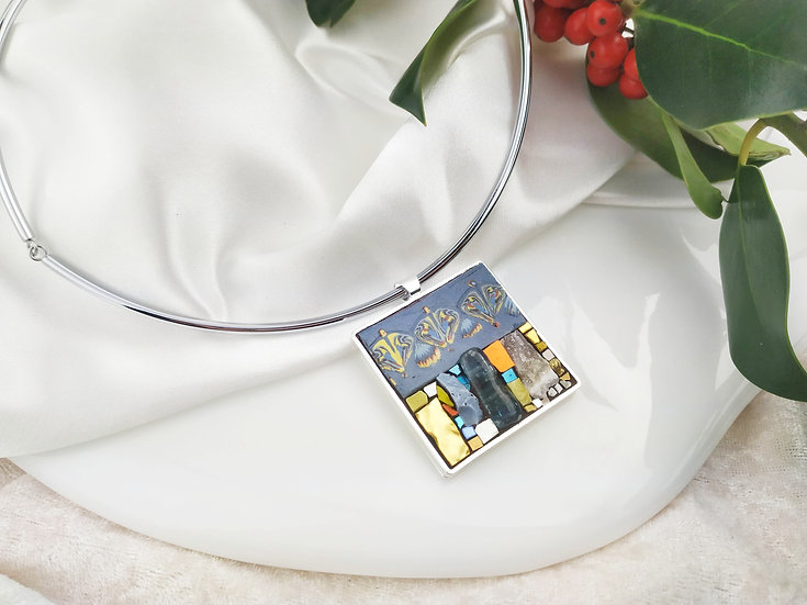 PENDENTIF GRAND CARRE NERIAGES