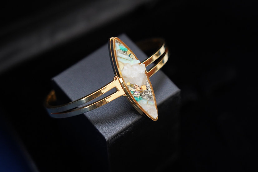 """bracelet grand pétale """"cristaux"""""""
