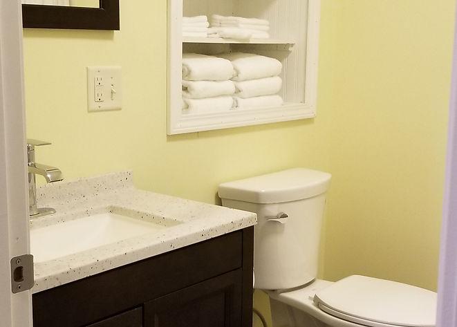 Hall Bath (2).jpg