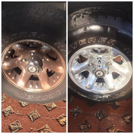 Aluminum wheel polish detail