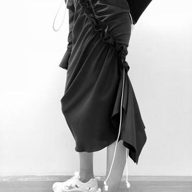 "concept 3 ""ONE-PIECE-OF-CLOTH"" Bias-cut Skirt_03"