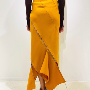 "concept 5  ""TWO-PIECE-OF-CLOTH"" Spiral Bias Seamed Skirt_03"