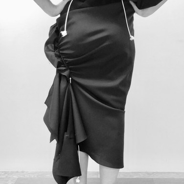 "concept 3 ""ONE-PIECE-OF-CLOTH"" Bias-cut Skirt_02"