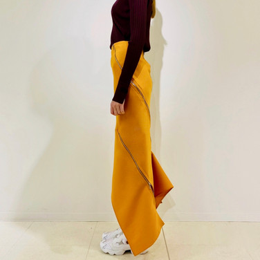 "concept 5  ""TWO-PIECE-OF-CLOTH"" Spiral Bias Seamed Skirt_02"