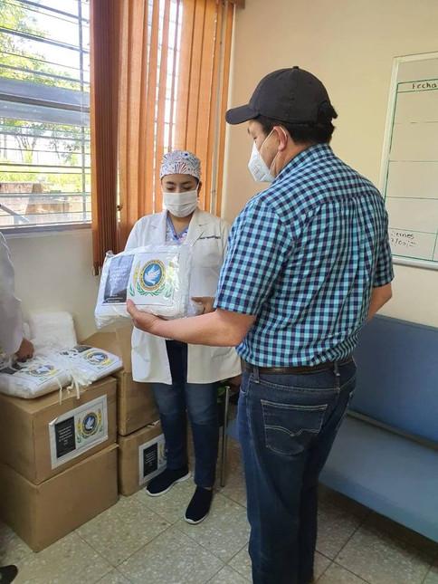 DONACIÓN DE MASCARILLAS AL HOSPITAL NACIONAL DE COJUTEPEQUE