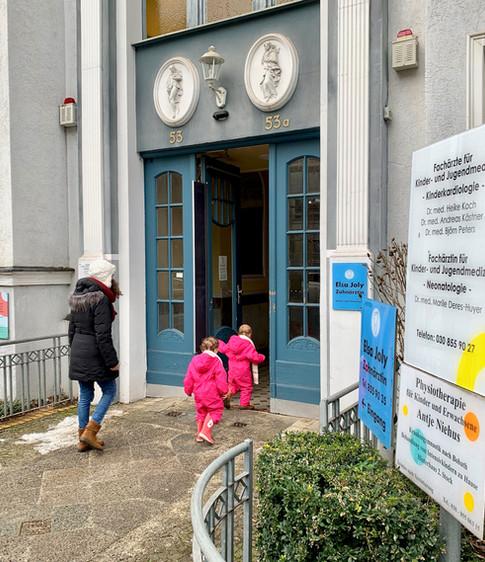 Eingangsbereich Praxis Feuerbachstraße