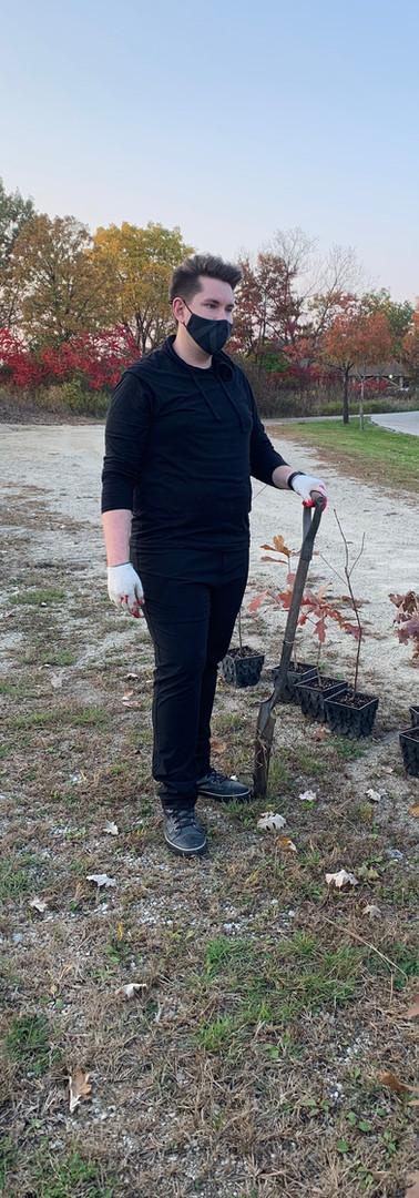 Gordon Salon 2020 2nd Tree planting _4078.JPG