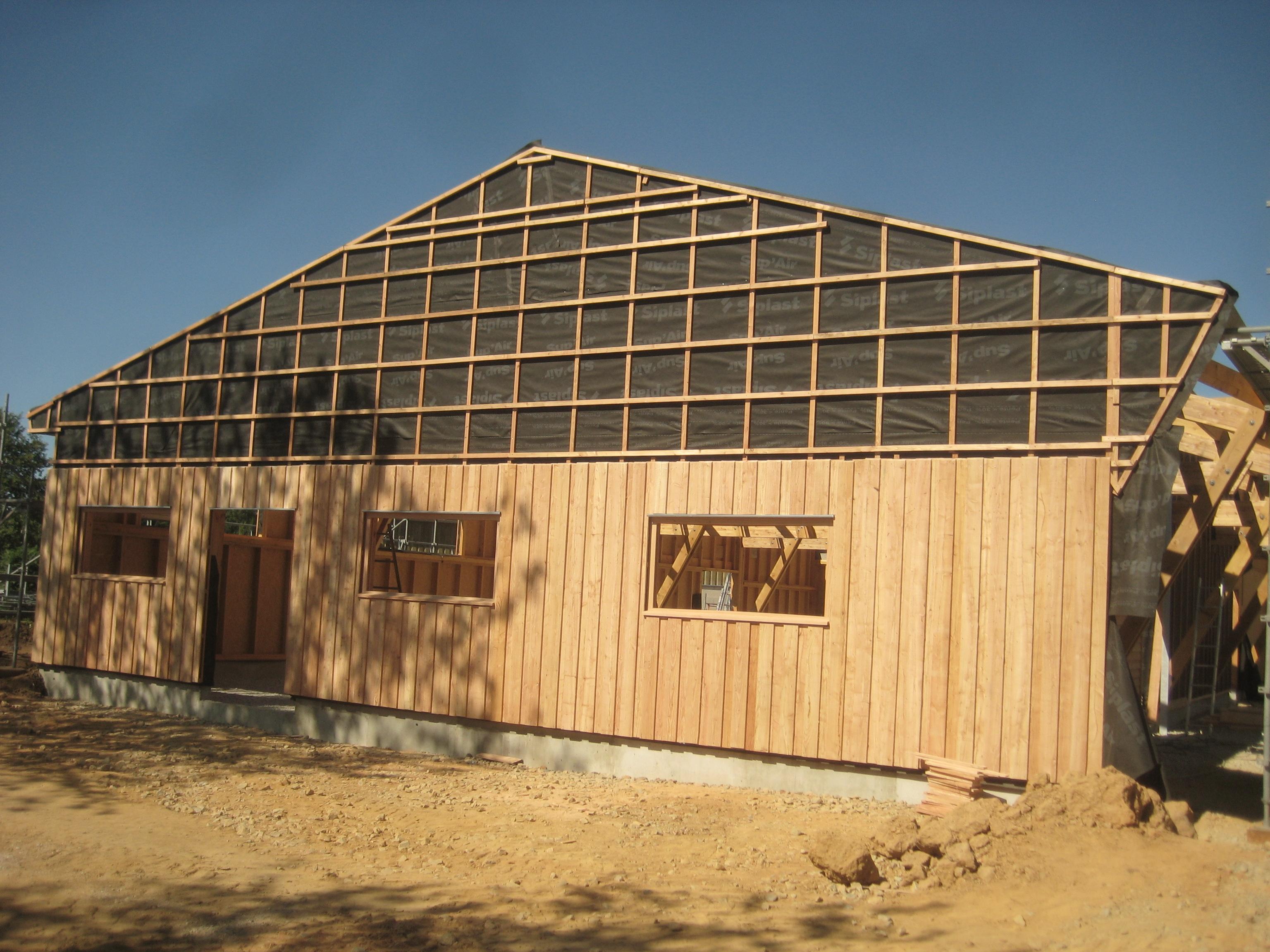 Construction hangar Douglas et melez