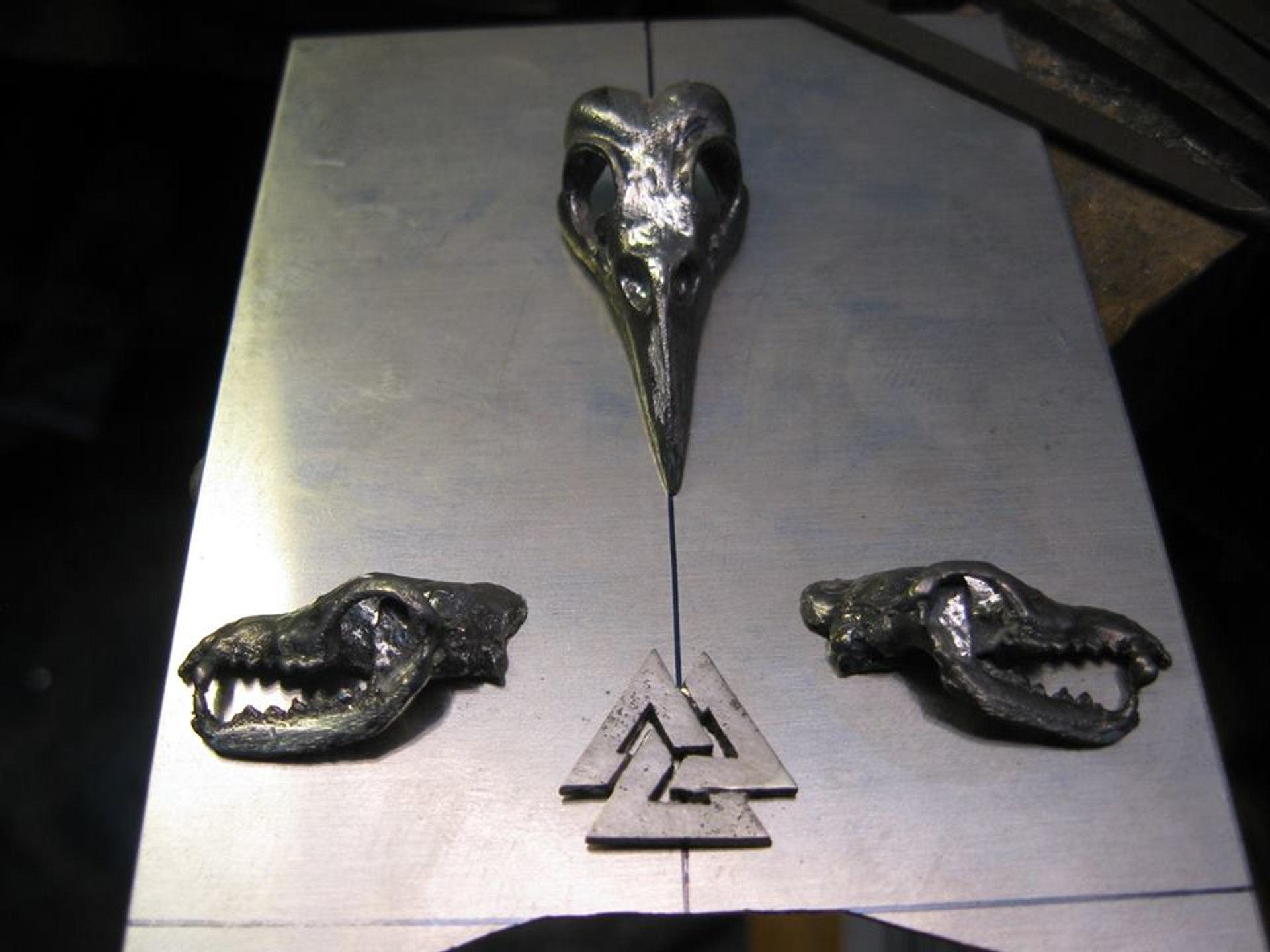 Raven Wolf And Valknut Mjolnir Pendant