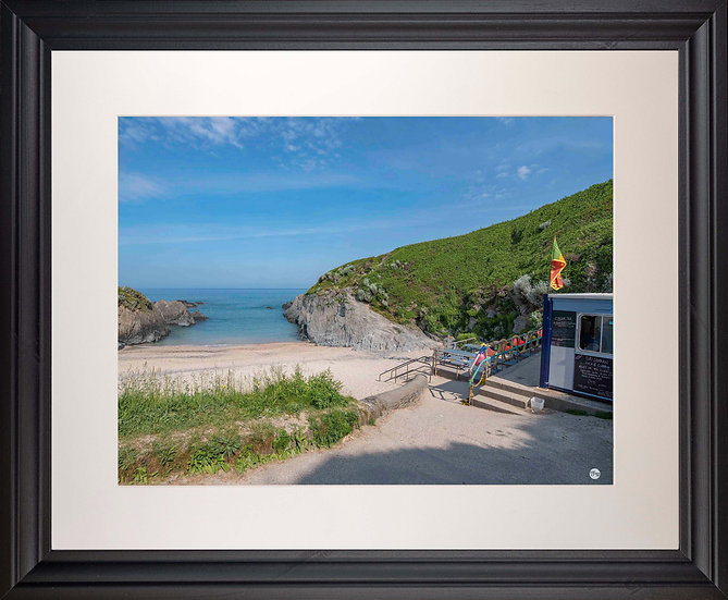 Black Framed Picture - 400x500mm - Good Morning from Barricane Beach