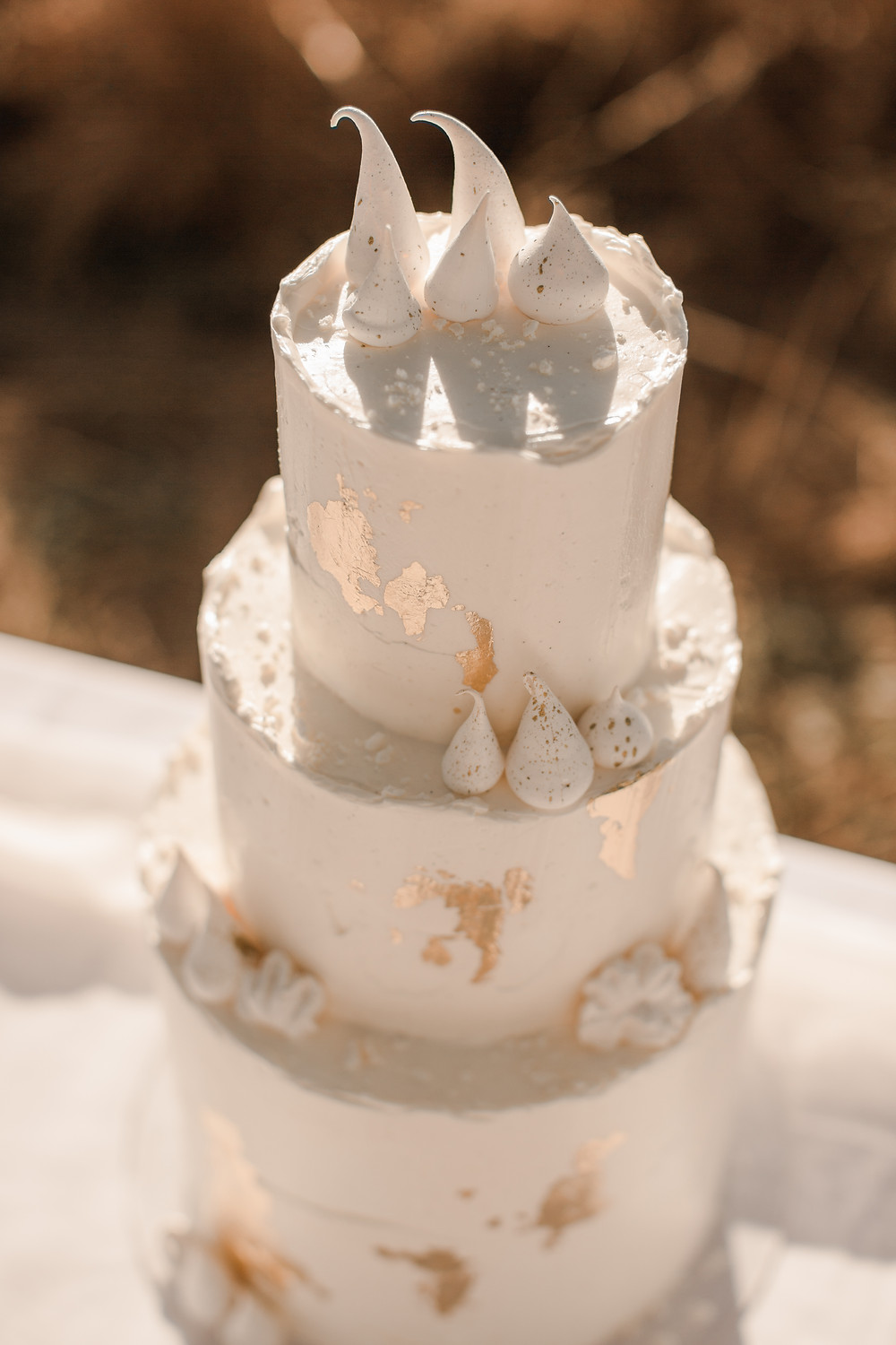 austin wedding photographer gold dust wedding cake