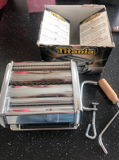 Titania Pasta Machine