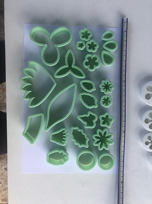 Wilton suger art flower cutter set