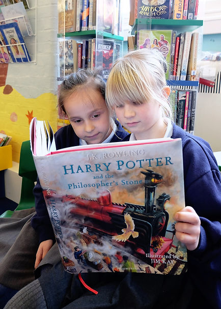 YEAR 3 GIRLS READING (1).JPG