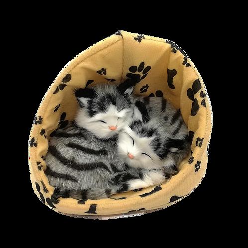 Gatto coppia nella cuccia decorativo in pelliccia sintetica 16cm con suono