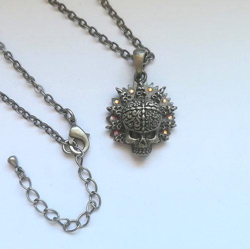 Gemstone Skull - Collana Teschio con Pietre