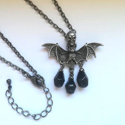 Dark Skull Bat - Collana Pipistrello con Teschio e Pietre