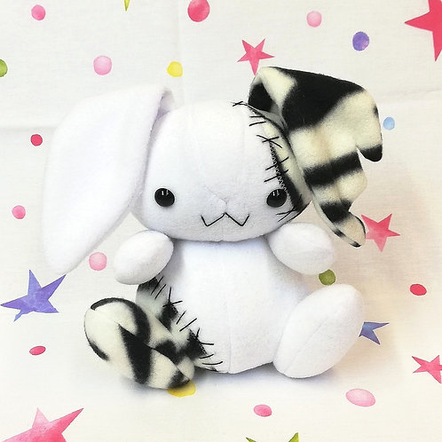 Lunar Bunny Bianco - FantaPets by Nixie Creations