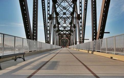 Big_4_Bridge.jpeg