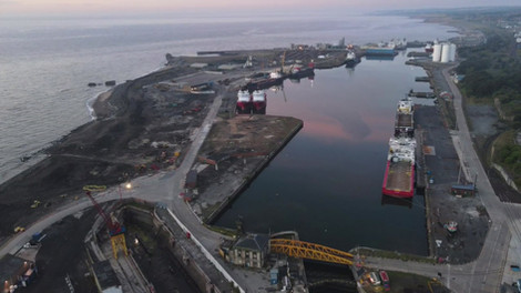 2160p  docks video.mov