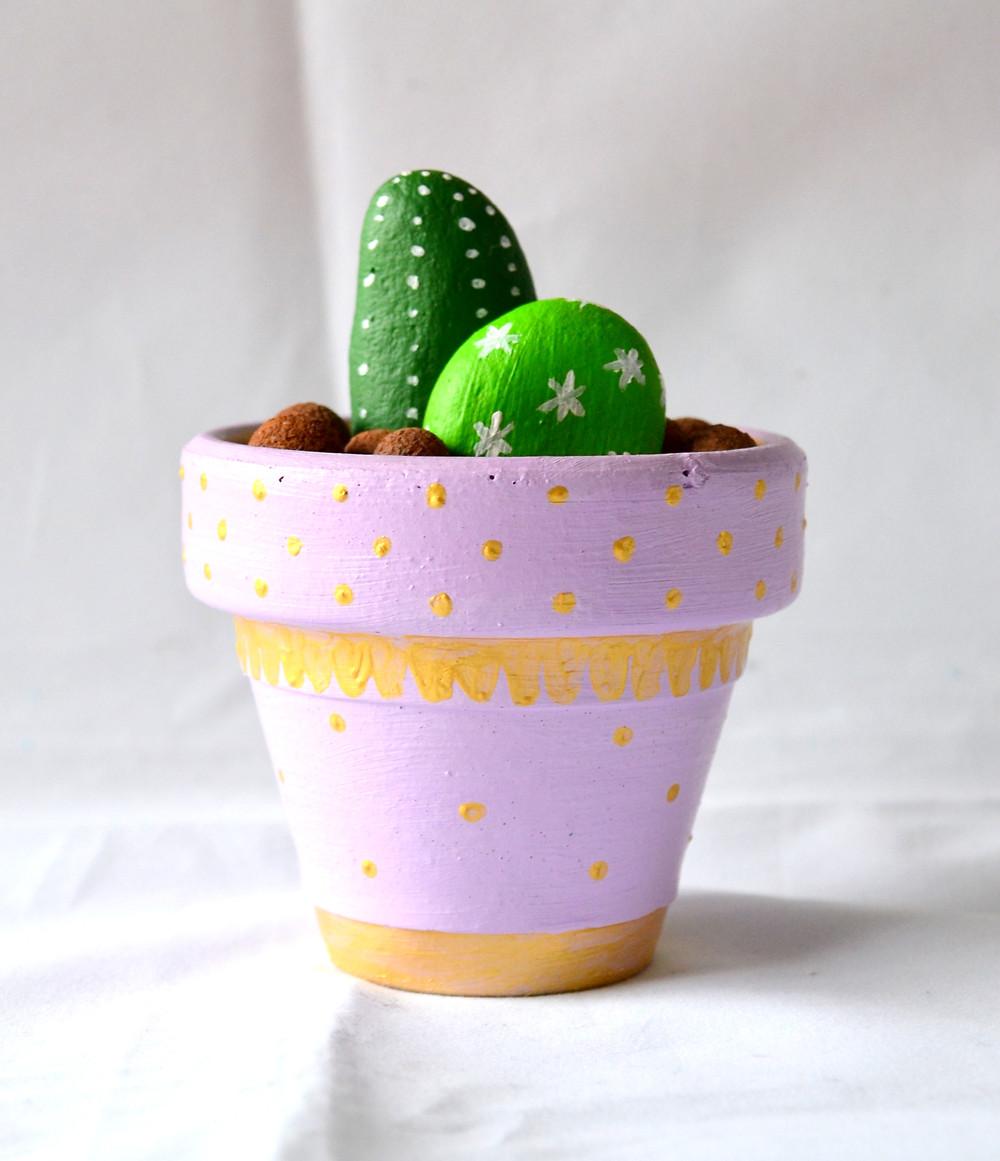 DIY Pot cactus galets