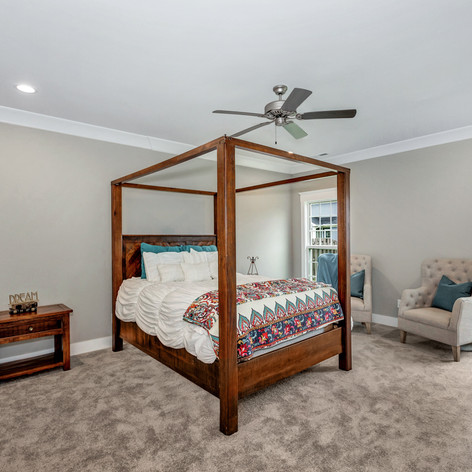 Spacious bedroom in The Clover.