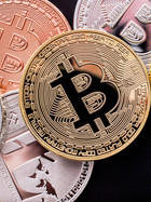 CBN instructs all banks to close all cryptocurrency transactions.