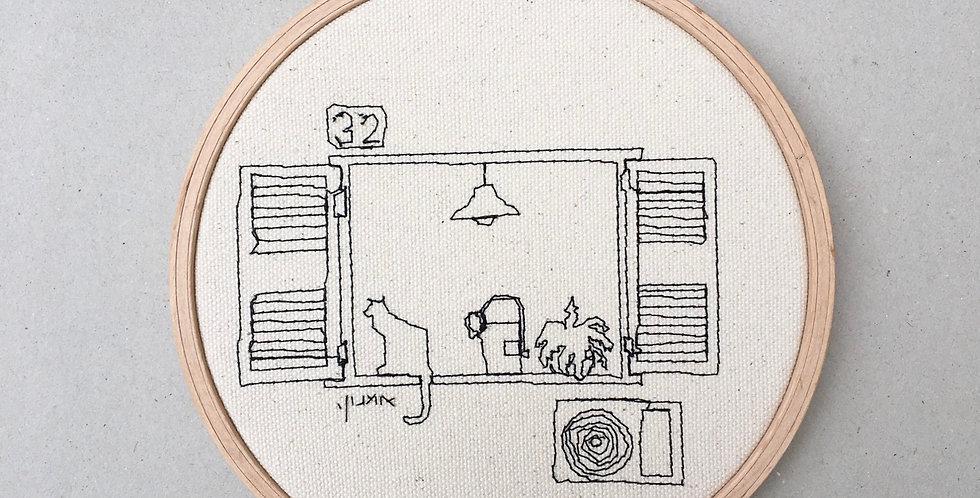 sewn sketch hoop14cm - window with cat.