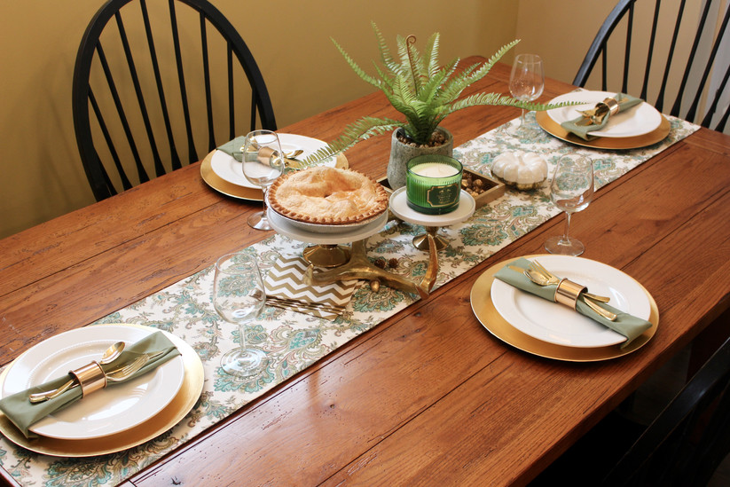 SIMPLE & PRETTY. THANKSGIVING TABLESCAPE.