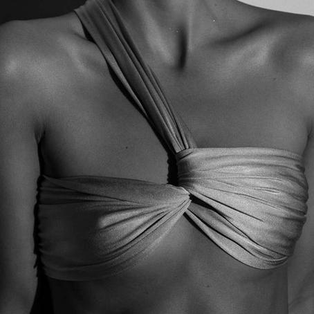 Torções na moda praia