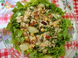 Salada de Peixe e Grão-de-Bio