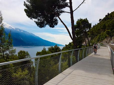 In bicicletta a strapiombo sul Lago !!!
