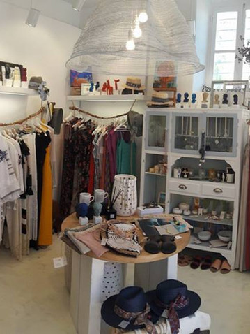 Palm & White Concept Store