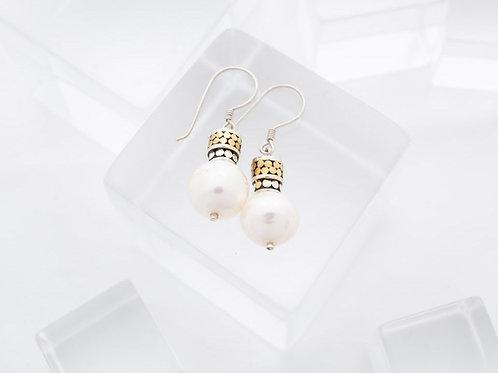 Medium Pearl Earrings