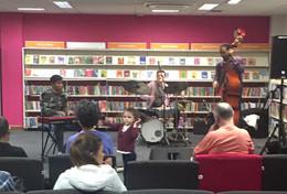 Dian Gasper Trio @Beckton Globe Library