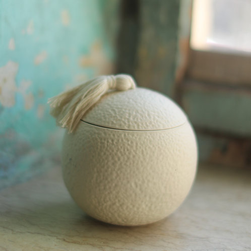Textured round ceramic box