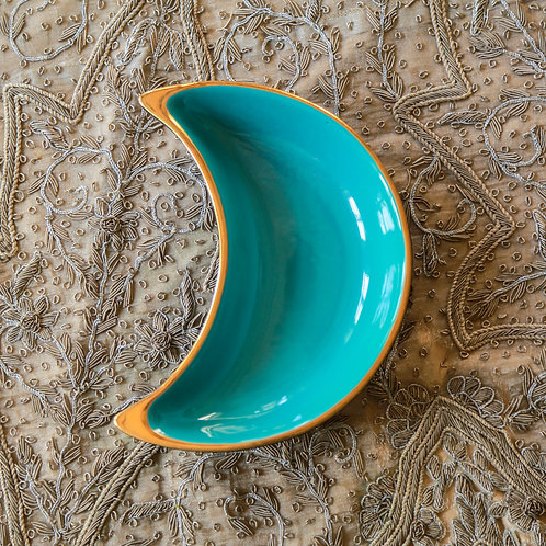 Small crescent plate