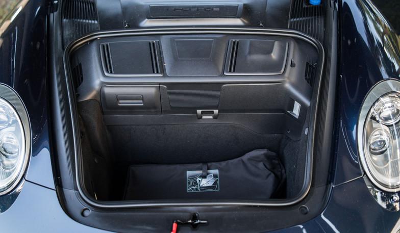997.2 C4S Cab Blue Manual