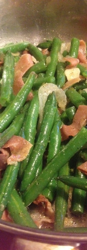 String beans with prosciutto