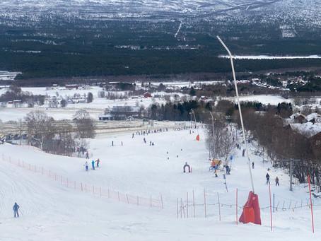 God julestemning og masse folk i skiløypene