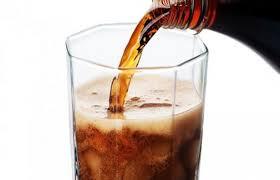 Refrigerante de cola dissolve TUDO!